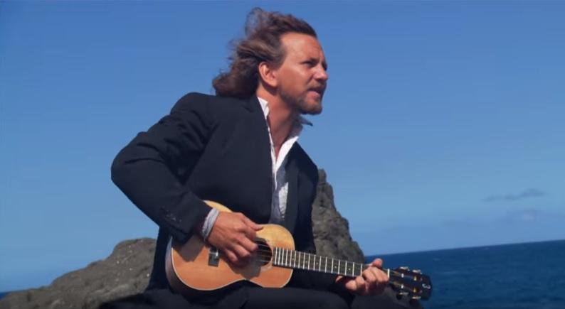 Eddie Vedder and his uke