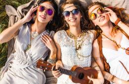 Ukulele festival hippies ukes sun